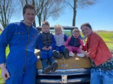 Yvon Jaspers bezoekt boeren van de afgelopen 15 jaar. 'Het voelt een beetje als familie'