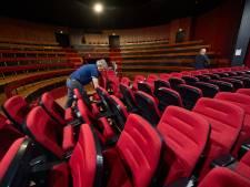 Bezoekers HOFtheater Raalte zitten komend seizoen 'iets actiever' in nieuwe zetels