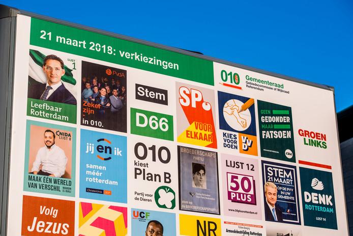 Campagneposters voor de gemeenteraadsverkiezingen in maart