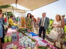 Campagne met gratis groente en fruit start in buurtschap Nederland: 'Hierna heel het land veroveren'