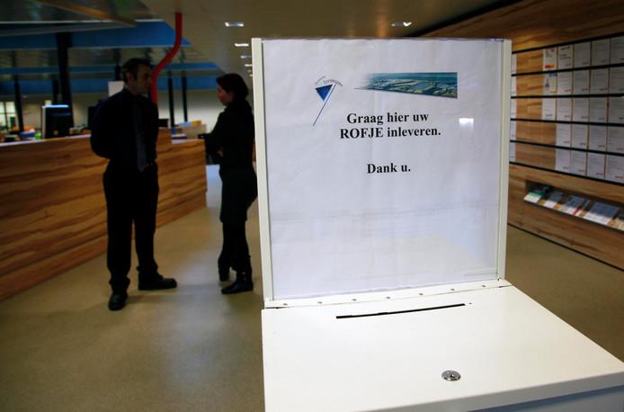 Brievenbus voor rofjes, rechtmatigheidsonderzoeksformulieren voor bijstandsuitkeringen, is voorlopig weg bij stadhuisbalie Terneuzen.