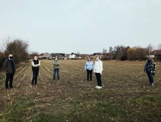 """Buren verzamelen handtekeningen tegen nieuwe sociale woonwijk Lindeveld: """"Niet slim om te bouwen op gronden die regelmatig overstromen"""""""