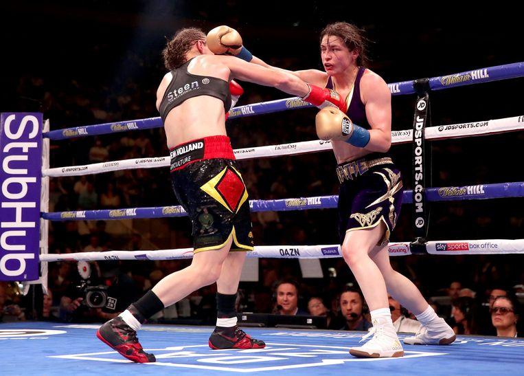 Delfine Persoon verloor in juni 2019 haar wereldtitel aan Katie Taylor na een omstreden kamp in New York. Beeld Photo News