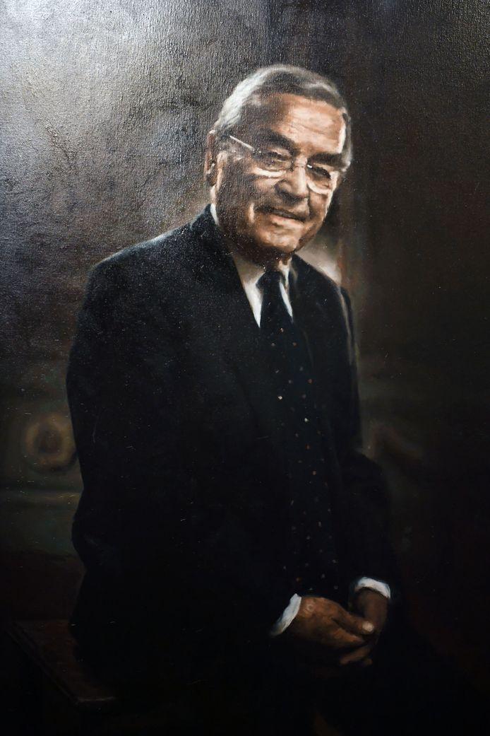 Ook het portret van ereburgemeester Louis Tobback (Vooruit) kreeg een plaats in de salons van historisch stadhuis. Schilder van dienst was Dirk Eelen, de broer van de bekende televisiemaker Jan Eelen.