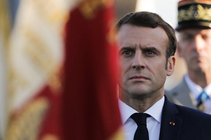 Le président Macron n'a réagi ni à la tribune des militaires ni à la réponse de Marine Le Pen