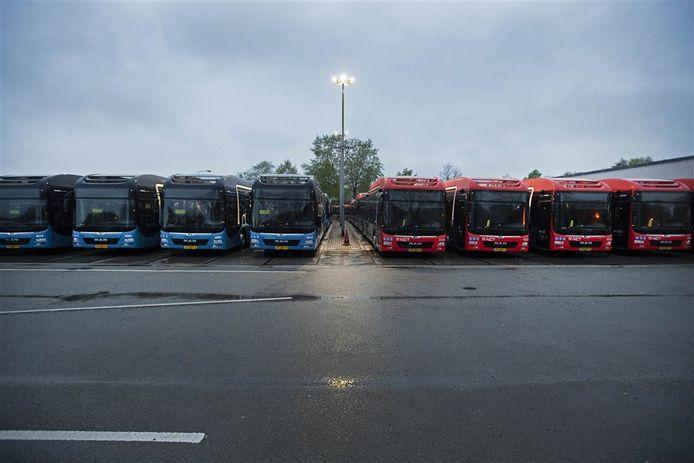 Bussen van Keolis op een rij.