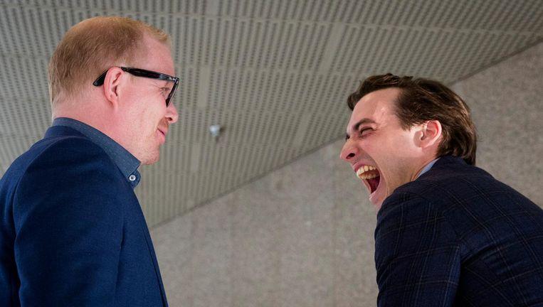 Jan Roos (links) en Thierry Baudet voor aanvang van het Tweede Kamerdebat over de uitslag van het Oekraïne-referendum. Beeld anp