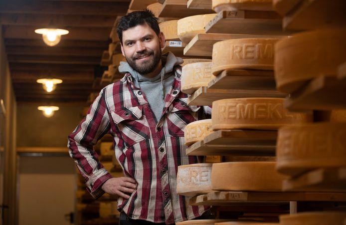 Peter van de Voort van Remeker kaas. Het bedrijf opent een tweede boerderij op Landgoed Kernhem.