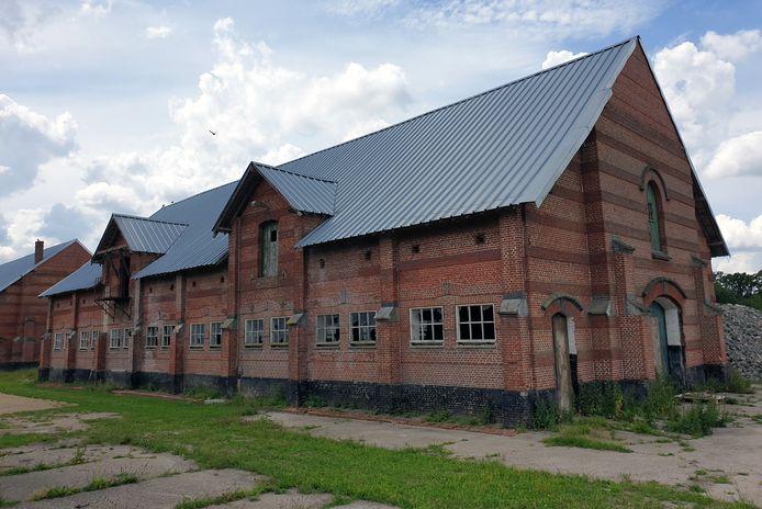 Het woonstalhuis Noord en de koeienstallen van de Grote Boerderij op Merksplas Kolonie worden omgevormd tot hotel en polyvalente ruimte.