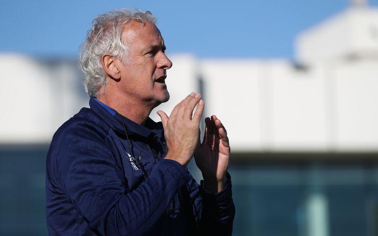 Fred Rutten leidt de training van Anderlecht in stageoord San Pedro del Pinatar, Spanje. Beeld BELGA