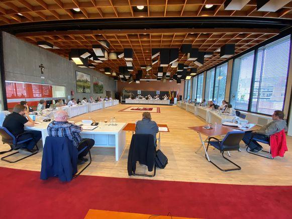 De coronaveilige gemeenteraad in Waregem.