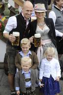 Arjen Robben met zijn vrouw Bernadien en de kinderen Luka, Kai en Lynn.