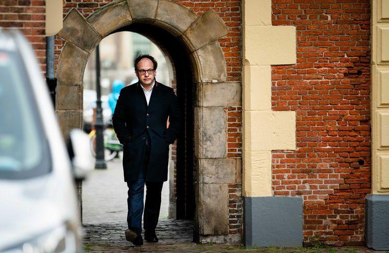 Minister Wouter Koolmees van sociale zaken en werkgelegenheid (D66) bij aankomst op het Binnenhof voor de wekelijkse ministerraad.  Beeld ANP