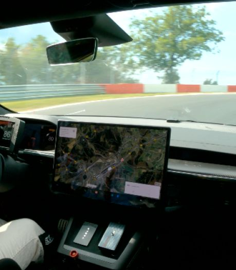 Tesla vernedert Porsche op de Nürburgring