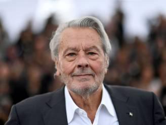 Alain Delon (83) herstelt in Zwitserland van beroerte