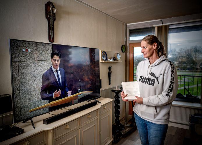 Maaike Antheunissen is een van de Capelse betrokkenen in de kwestie. Zij krijgt na jaren wachten eindelijk geld terug van de Belastingdienst.