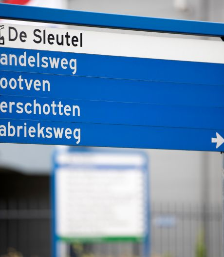 Grote controle Bladel op bedrijventerrein De Sleutel: twintig arbeidsmigranten aangetroffen