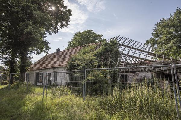 Hoe ontstaan vervallen boerderijen op onderzoek in de for Opknap boerderij te koop gelderland