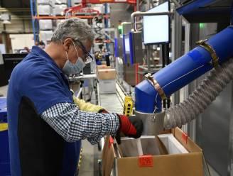 Pfizer gaat familie van personeel zelf vaccineren