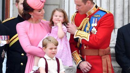 """""""Kleine Charlotte speelt de baas over haar grote broer"""", beaamt de Queen"""