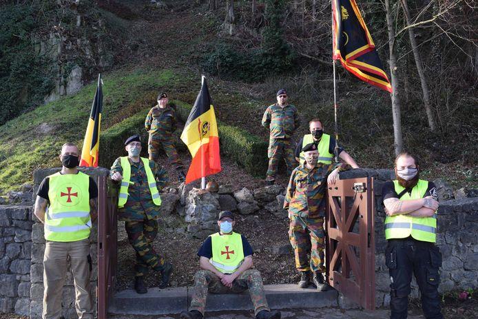 De vrijwilligers die zaterdag aan de slag gingen, met Pascal als de tweede van rechts.