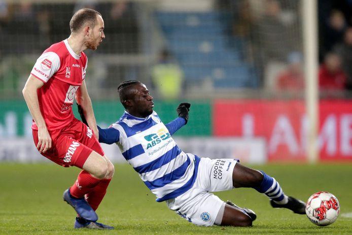 Leeroy Owusu, hier in actie namens De Graafschap, komt in de zomer naar Willem II.