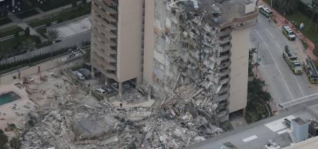 Effondrement d'un immeuble de 12 étages près de Miami Beach: au moins un mort, une cinquantaine de personnes manquent toujours à l'appel