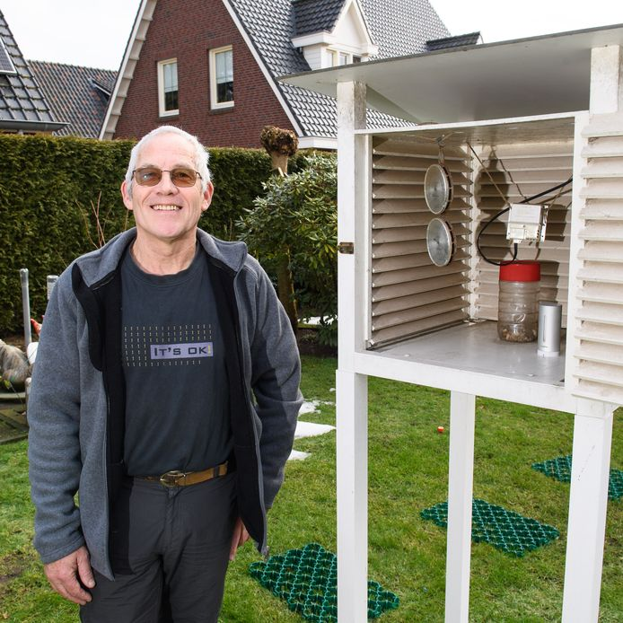 Het weer laat Holtenaar Freddie Paalman niet los; ook niet na dertig jaar. In de tuin staat al zijn meetapparatuur.