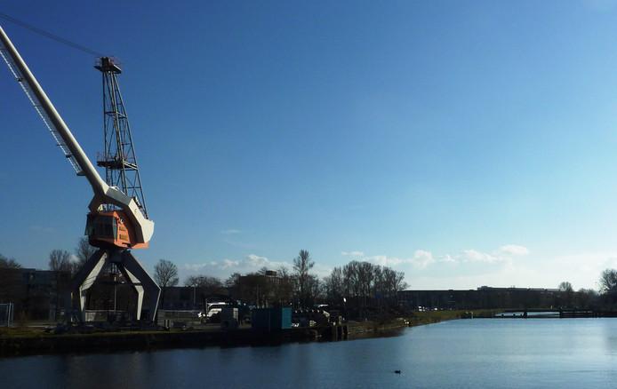 Gezicht op voormalige petroleumhaven, onderdeel Laakhaven, Den Haag