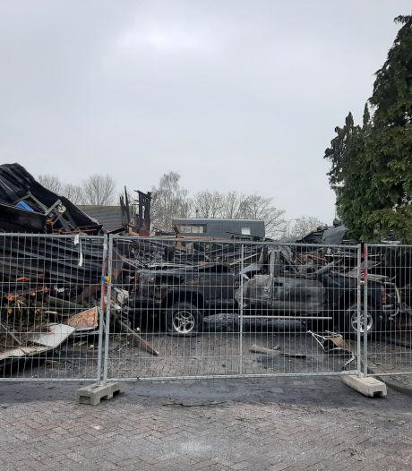 Eigenaresse door brand verwoest bedrijf in Kampen: 'Het is maar materiaal, ook dit kom ik te boven'