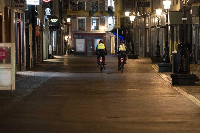 Lege straten vanwege de avondklok