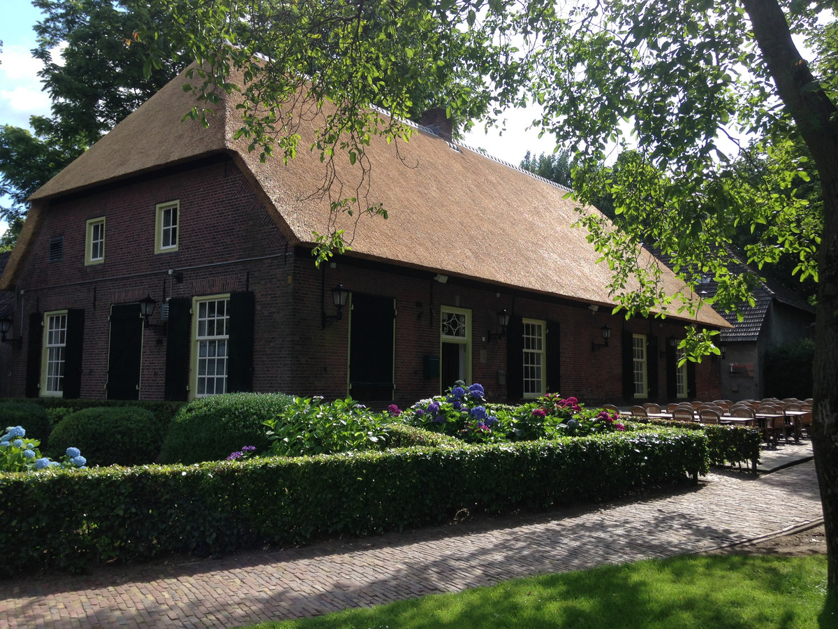 Boerderij Denissen in Berkel-Enschot verkocht aan harmonie en horeca-exploitant.
