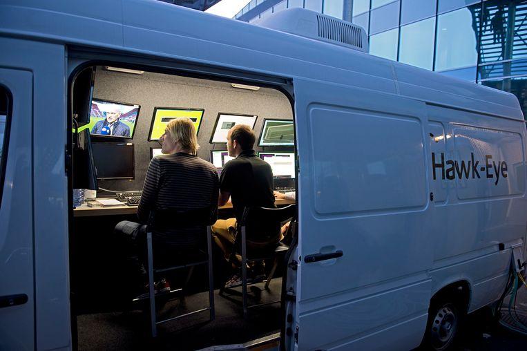 Een team van technologiebedrijf Hawkeye test hun systeem in 2015. Beeld ANP