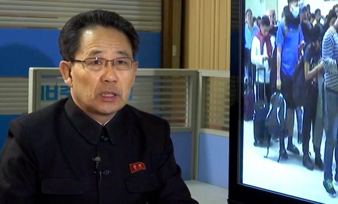 De Noord-Koreaanse minister van Volksgezondheid praat in een video over de maatregelen die zijn genomen om het coronavirus buiten het land te houden.