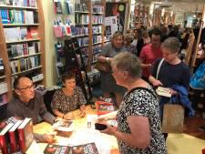 Beroemd schrijversechtpaar Nicci French signeert nieuwste boek in boekhandel Veenendaal