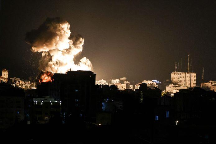 Rook stijgt op na de raketaanvallen op de Gazastrook.