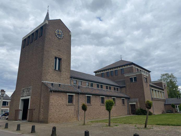 De Martinuskerk in Doornenburg staat te koop; er is nog slechts incidenteel een dienst