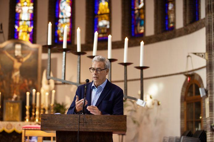 De Willibrordusparochie en de Agnus Deikerk in Waalre boden oud-burgemeester Jan Brenninkmeijer de gelegenheid om met een lekenpreek afscheid te nemen van de inwoners van Waalre.