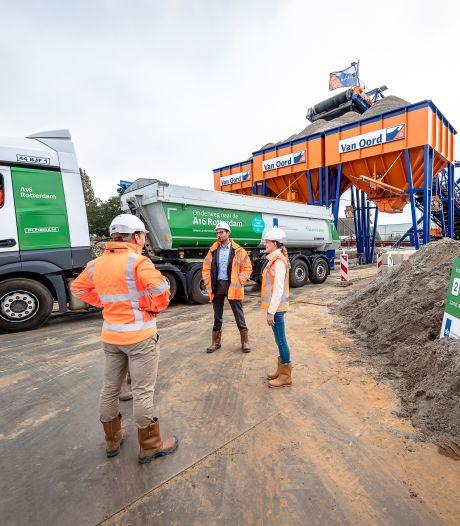 Tachtig vrachtwagens per dag brengen ruim drie Kuipen vol met zand voor nieuwe rijksweg A16