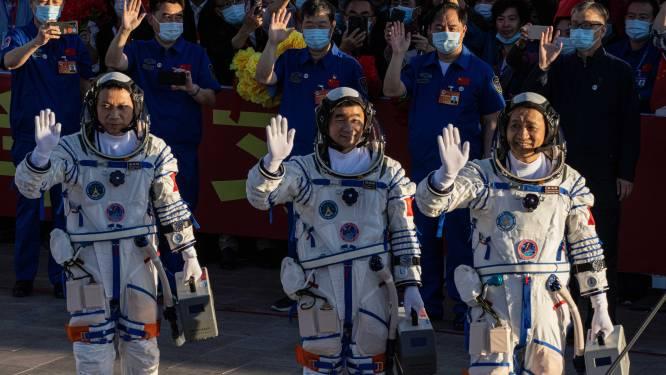 China lanceert voor het eerst bemanning naar eigen ruimtestation