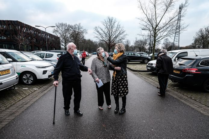JV 04022021 Doetinchem Nl / Inenting Topsporthal drama , echtpaar Reiojring bijna 60 jaar getrouwd uit Aalten met dochter / Foto : Jan Ruland van den Brink