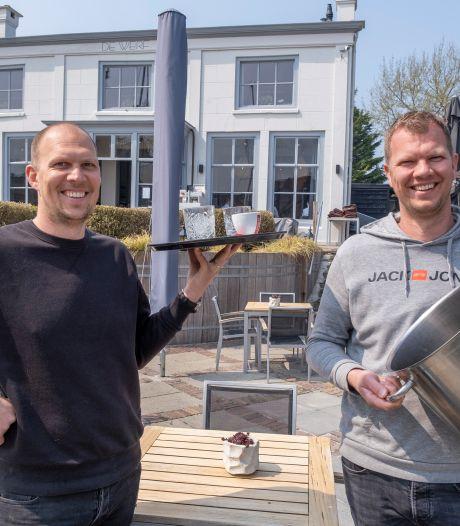 We kunnen weer naar het terras in Zeeland: 's middags aan de mosselen, biefstuk en cocktails