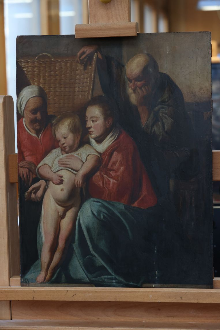 'De heilige familie' van barokmeester Jacob Jordaens hing bijna 60 jaar in het kantoor van de schepen voor Stedenbouw en werd al die tijd beschouwd als een kopie. Beeld BELGA