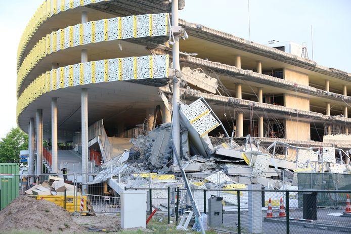 De ingestorte parkeergarage in aanbouw bij Eindhoven Airport. De Onderzoeksraad voor Veiligheid presenteert haar rapport nadat de garage op 27 mei 2017 door een constructiefout in de vloer deels instortte.
