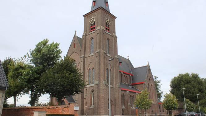"""Kerk Donk gaat sluiten, maar gemeente Maldegem wil ze niet: """"Moet nu noodgedwongen verkocht worden"""""""