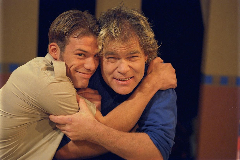 Winnaar Bart Spring in 't Veld (links) en Ruud Benard uit het eerste seizoen van 'Big Brother'.
