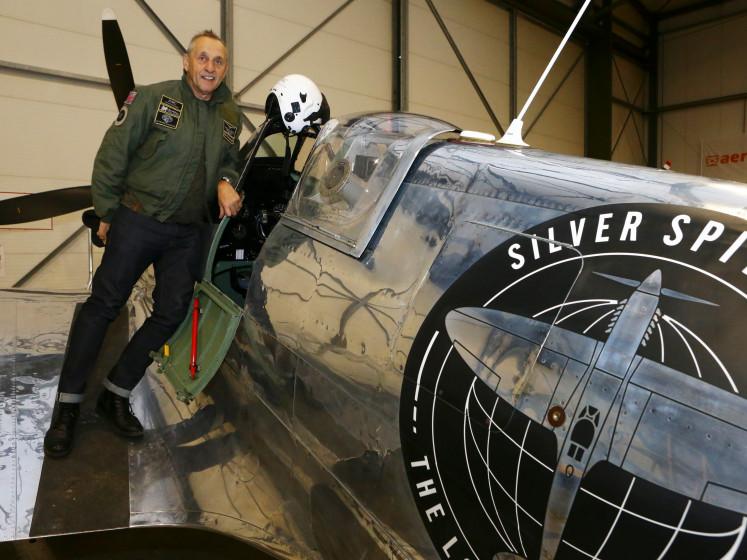Legendarische Spitfire even terug in Lelystad: 'Mooiste vliegtuig ooit gebouwd'
