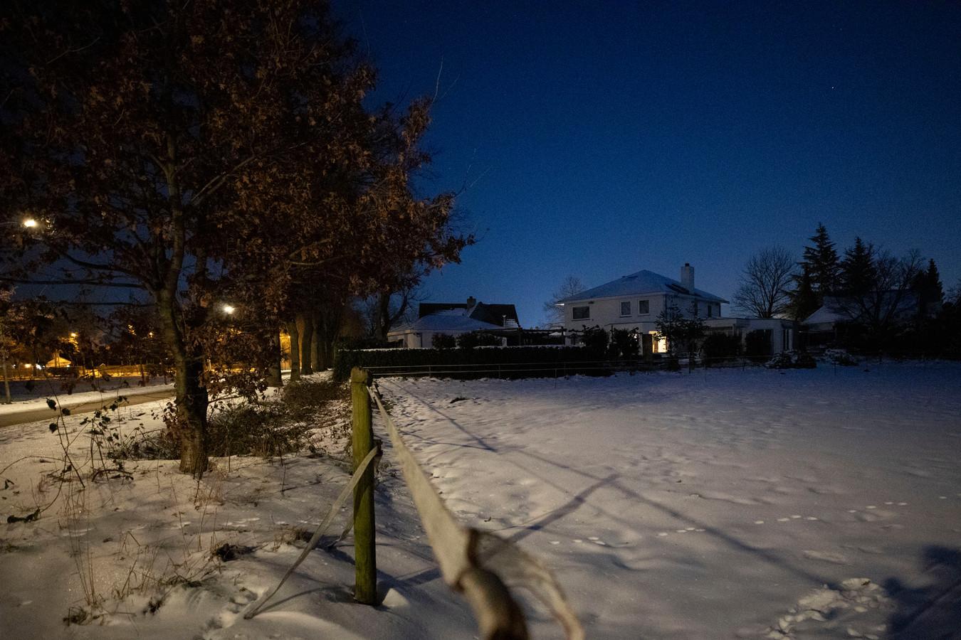 Het perceel aan de Loonderweg in Valkenswaard waar gemeente en Stichting Woninbelang een stel op leeftijd wil huisvesten in een nieuwe woonwagen.