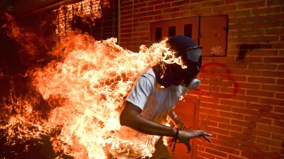 Deze huiveringwekkende foto is de  World Press Photo van het jaar