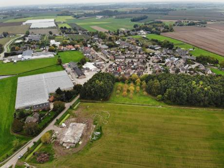 Het dorp Est smacht naar de bouw van nieuwe woningen